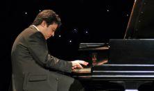 Balázs János – zongora
