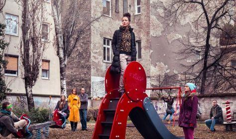 Pass Andrea: NAPRAFORGÓ: Staféta - Pesti Est - Füge Produkció
