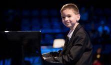 A Virtuózok felfedezettje Boros Misi koncertje a Nemzeti Filharmonikusokkal