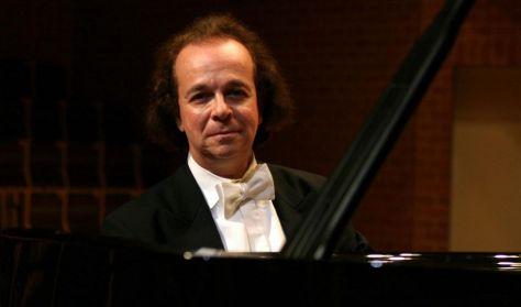 Cyprien Katsaris zongoraestje