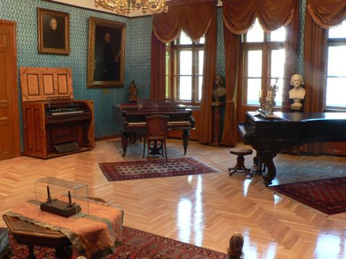 Liszt Múzeum - Matinékoncert: Bódás Zsuzsanna és Vanyiska Zsuzsanna (zongora négykezesek)