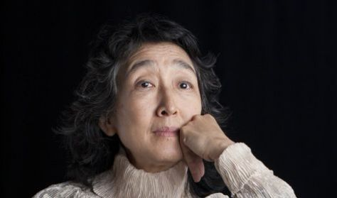 Mitsuko Uchida zongoraestje
