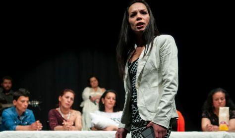 Sajátszínház: Éljen soká Regina!