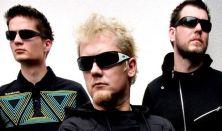 SZÍV DIKTÁL - Black-Out dalok trióban és Csordás Robival