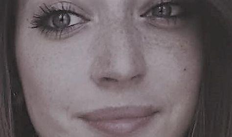 Podlovics Laura