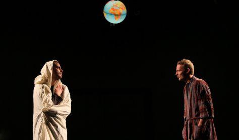 Douglas Adams: Galaxis útikalauz stopposoknak - Marosvásárhelyi Színművészeti Egyetem