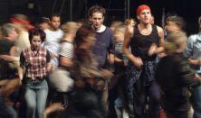 Képzelt riport egy amerikai popfesztiválról - Pannon Várszínház, Veszprém