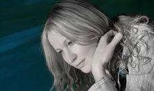 Hauser Adrienne zongoraestje