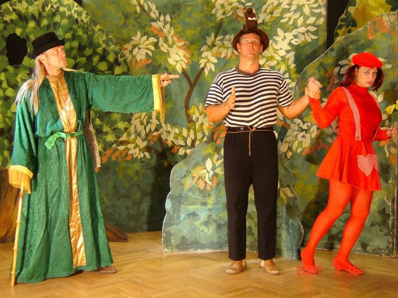 Grimm-Busz Színház