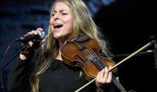 Modern Art Orchestra 'Exkluzív': Népzenei feldolgozások; Vendég: Szirtes Edina Mókus