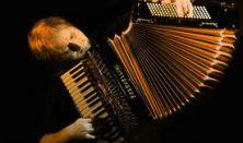 Orosz Zoltán Csak játék lemezbemutató koncert