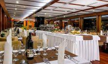 Késő esti hajókázás svédasztalos vacsorával