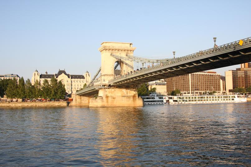 Hajós városnézés kávézással egybekötve a Dunán/Coffee&Cruise on the Danube
