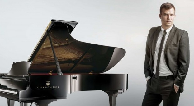 György Ádám zongoraestje