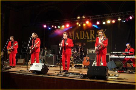 Retró táncklub a Madarak zenekarral
