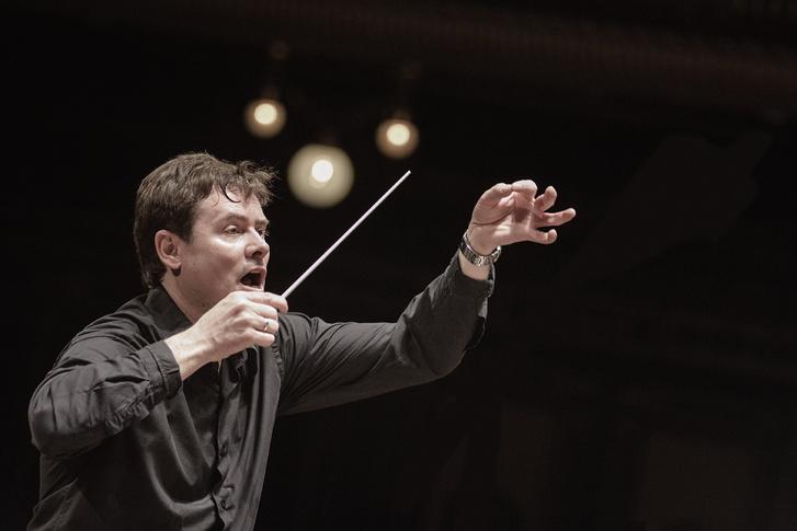 Mesés zenék - családi matiné Rossini: Hamupipőke