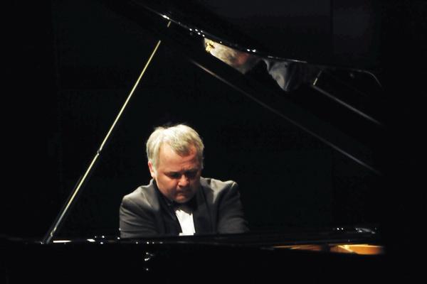 Mocsári Károly zongoraestje