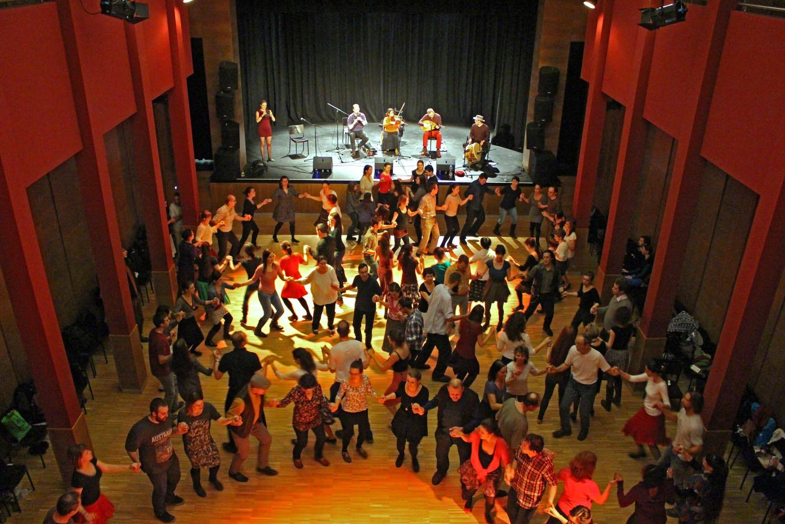 5. Tázló klub és táncház