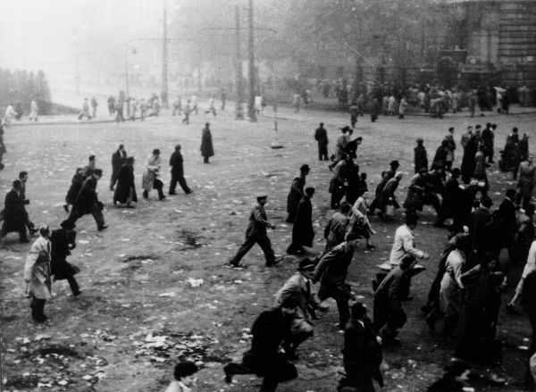 Kossuth tér 1956.október 25.