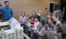 Zenelabirintus - épületlátogatás