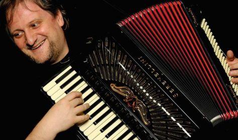 Orosz Zoltán - harmonikaművész újévi koncertje
