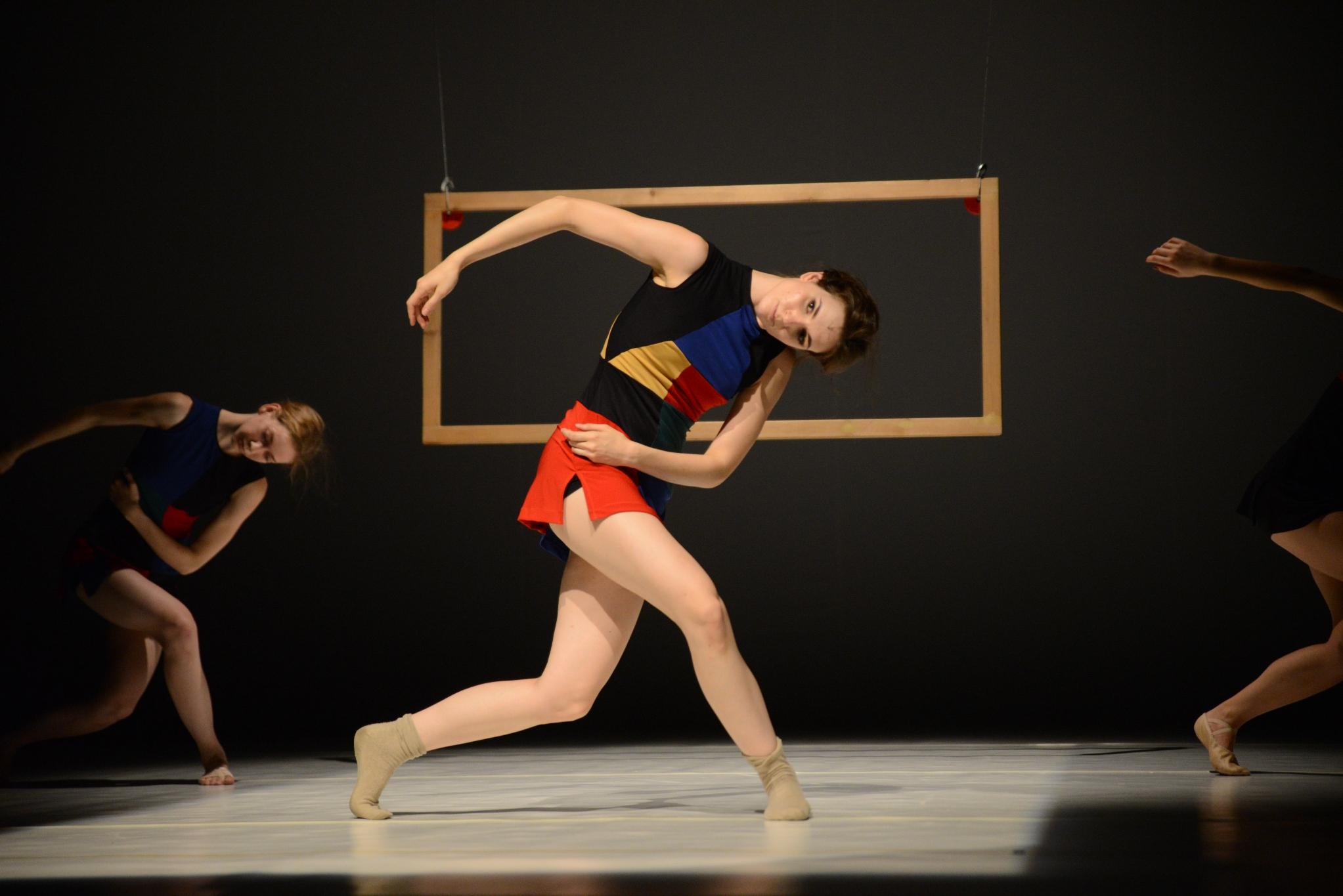 MIKÉP - Miro képei táncban elbeszélve