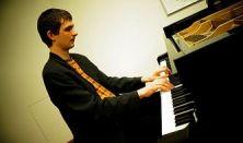 Licsák Attila zongora estje
