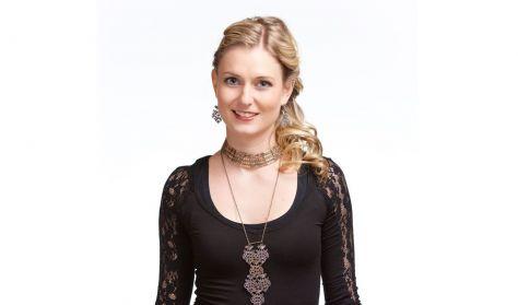 Kubinyi Júlia és a Dűvő zenekar: Hátra van még a java - Akusztikus autentikus