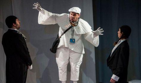 Nyolckor a bárkán - családi színházi előadás