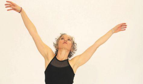 Szabad egy táncra? | Interaktív táncelőadás (nem csak) 60 felettieknek