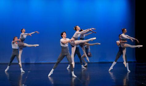 Végzős balettos előadás