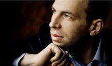 Andrei Korobeinikov zongoraestje