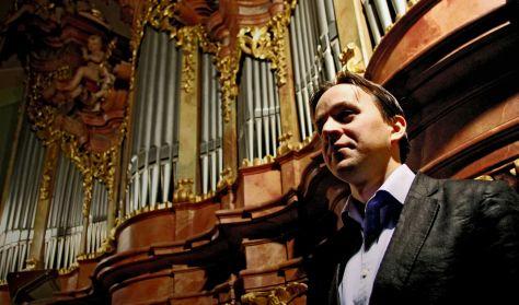 Balasi Barnabás, a Szt. Anna templom orgonistájának hangversenye, az ország egyik legszebb orgonáján