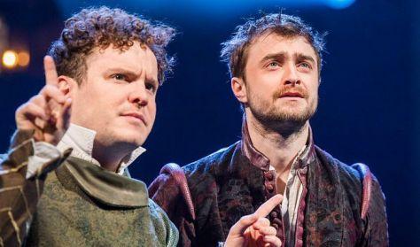 Rosenscrantz és Guildenstern halott -színházi előadás felvételről