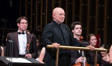 Dennis Russell Davies és a Zeneakadémia Szimfonikus Zenekara