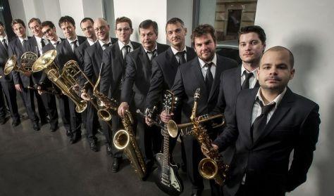Amerikából jöttem – családi jazz-színház Kálloy Molnár Péterrel és a Modern Art Orchestrával / SÁTOR