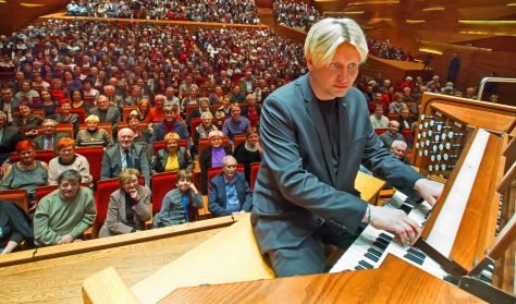 Varnus Xavér Cinema Music 3 orgonára