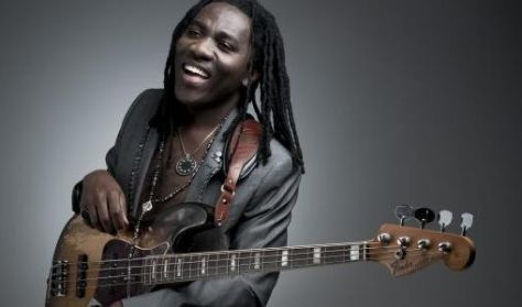 Richard Bona & Mandekan Cubano Group