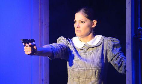 MÁSVILÁG - a Főnix Színház előadása