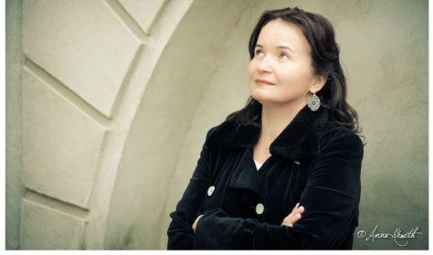"""Mesterek és Tanítványok: Nyitrai Marianna: """" Ország-világ az én hazám!"""""""