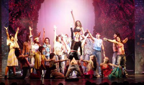 HAIR musical két felvonásban Újpest Színház 2018 tavaszi bérlet 4.