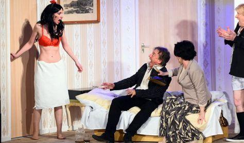 Édes alkony - Pódium Színház előadása