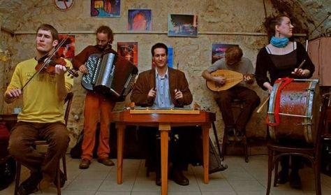 Tázló klub vendég: Bácsi Gyurka zenekar
