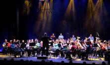 ABBA Show A Gödöllői Városi Fúvószenekar előadása