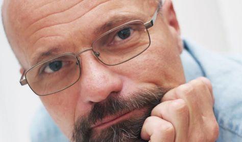 """""""A varázsgombáktól a kémiai terrorizmusig"""" - Dr. Zacher Gábor előadása"""