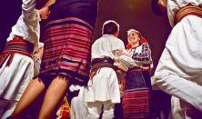 Magyar táncház - Moldvai csángó tánctanulás és közös tánc