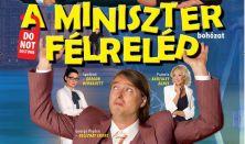 A miniszter félrelép