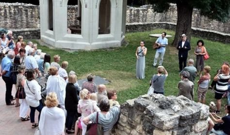 Szépirodalom és szépművészet Szent Margit szigetén - irodalmi séta