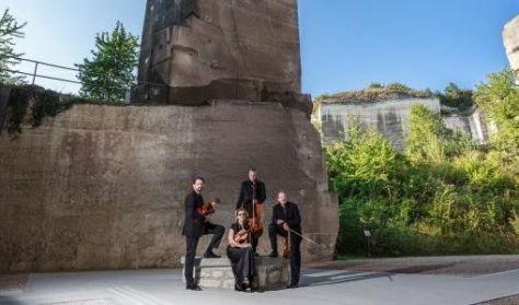 """Ötórai hangoló - Schubert """"Heuriger"""" kvartett - Soproni Szimfonikusok kamarazenekara"""