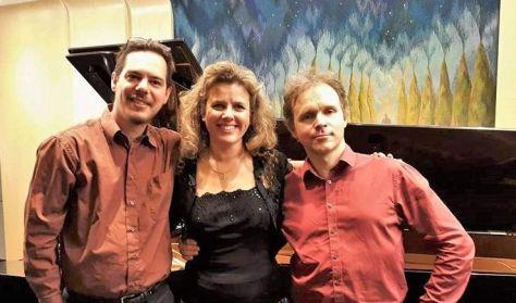 G. Horváth László (hegedű), Rózsa Richard (cselló), Homor Zsuzsanna (zongora)